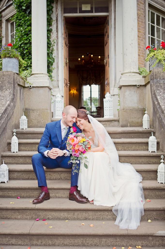 Knallbunte Hochzeit mit Flamingos in Hampton Court von Cotton Candy