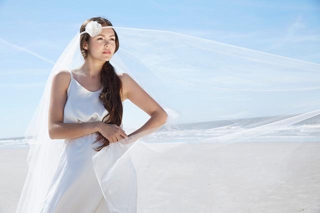 Fine Wedding Veils: Wunderschöne Brautschleier von BelleJulie