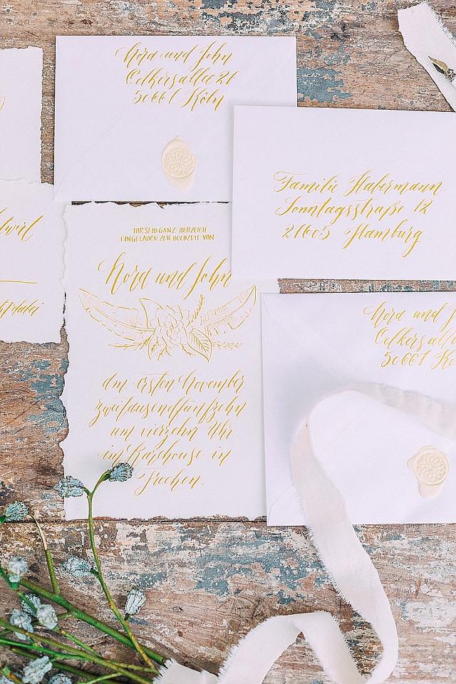 Einladungskarte Hochzeit gold Kalligraphie nicnillasink