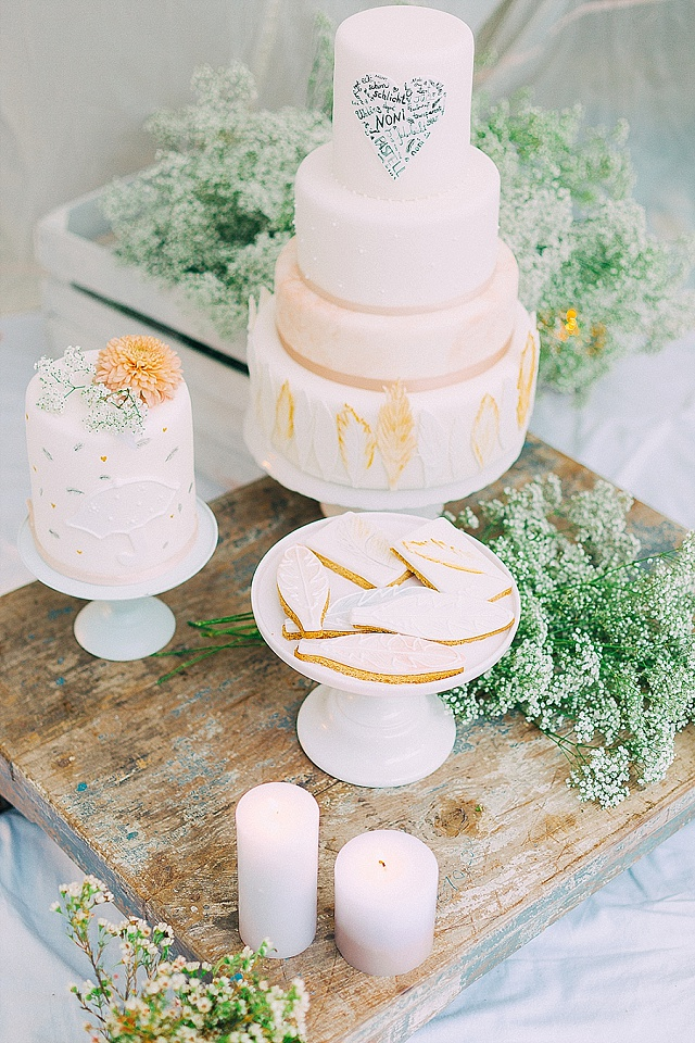 Hochzeitstorte federn Boho