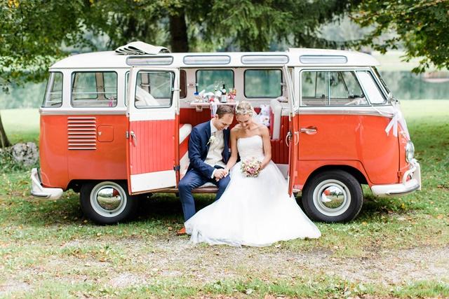 DIY Hochzeit mit VW Bulli von Gloomy Light