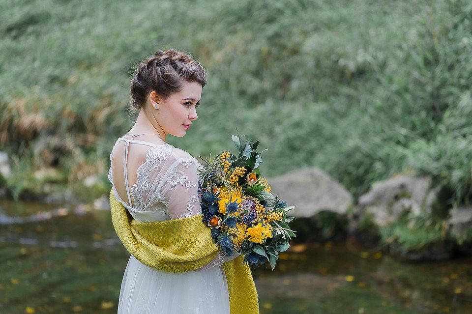 Elegante Herbsthochzeit in Gelb Blau von Anna Zeiter Photography