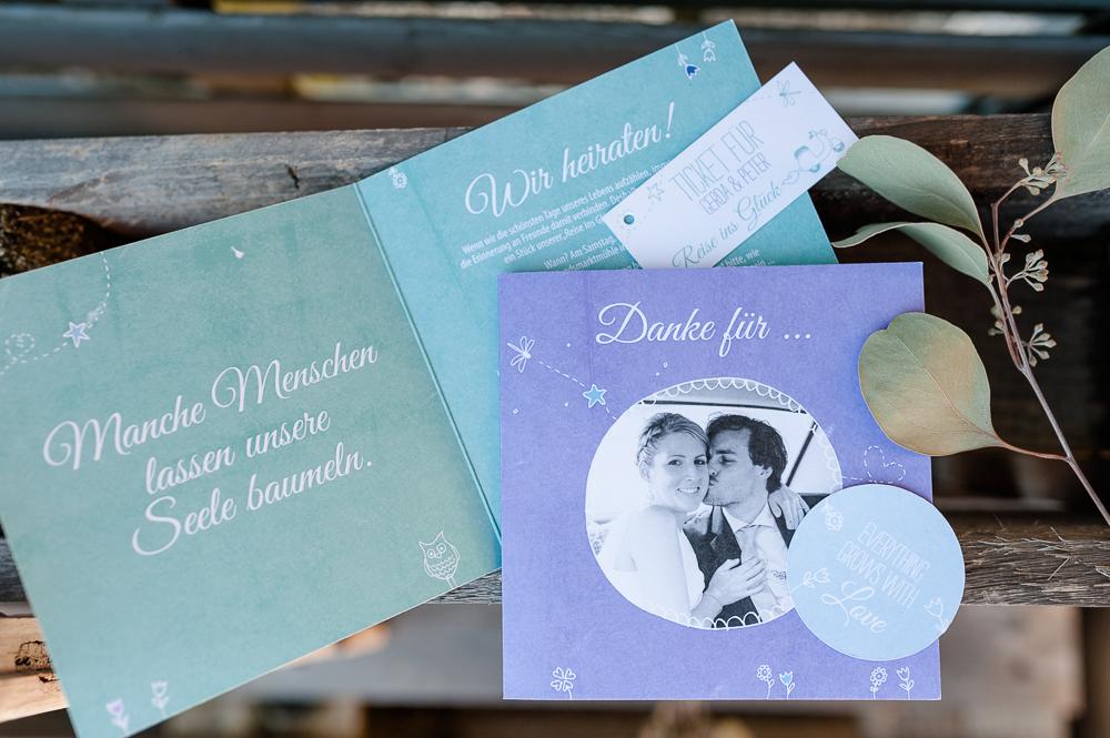 Hochzeitseinladung blau lila