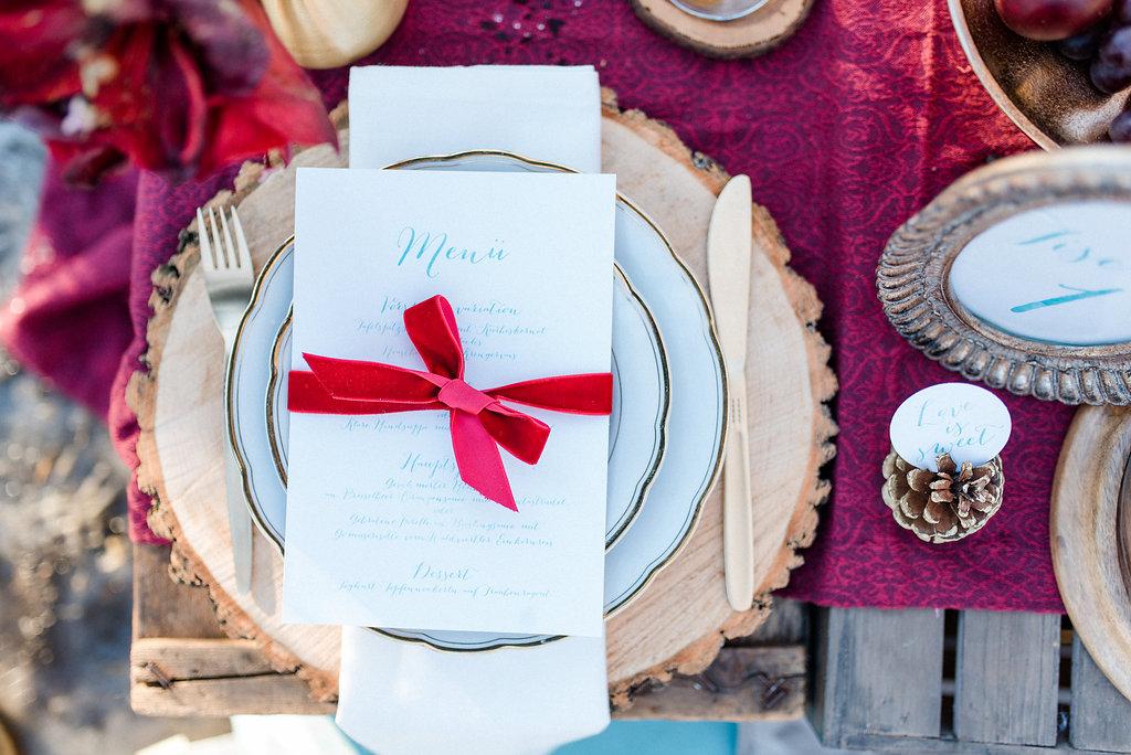 Tischdekoration Hochzeit rot