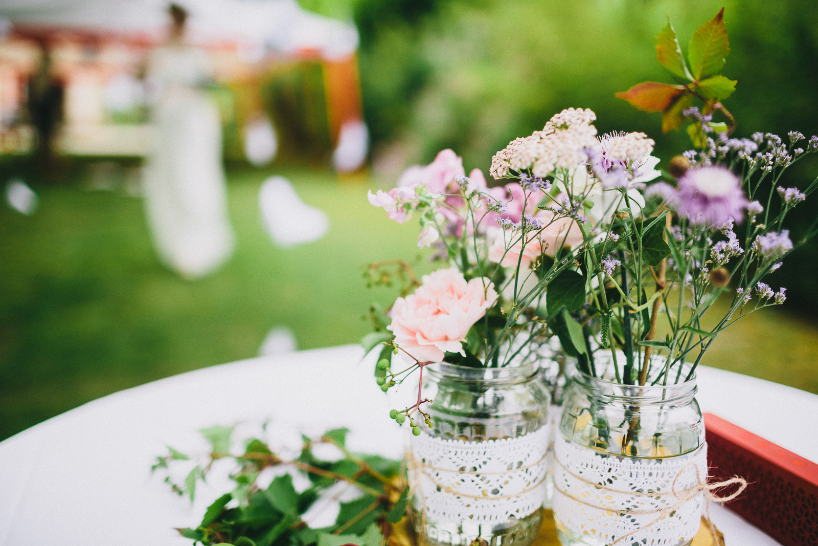 Tischdekoration Hochzeit rosa