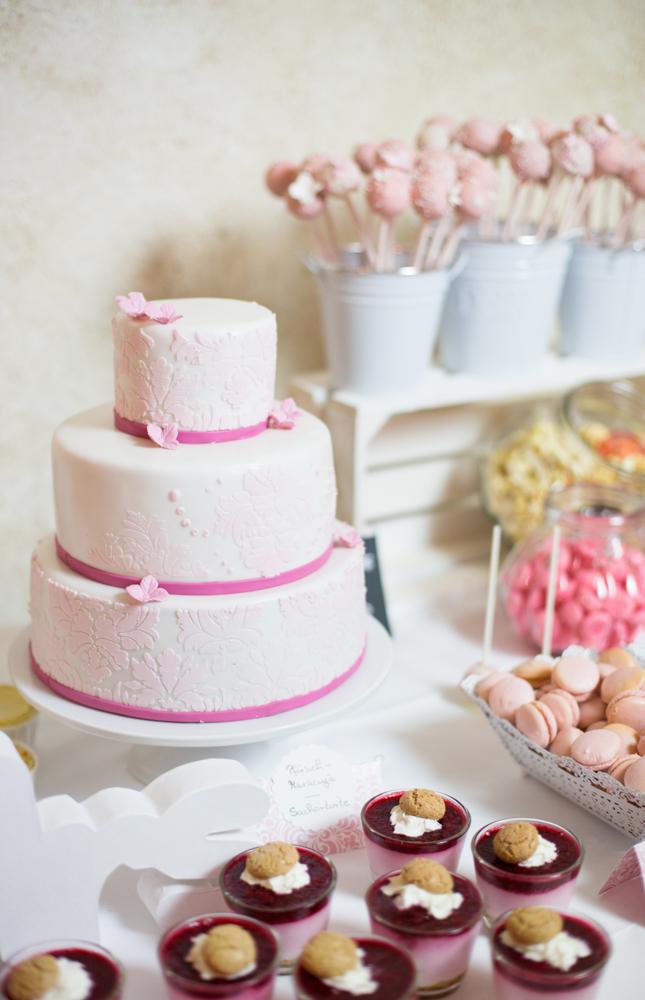 Hochzeitstorte rosa weiß