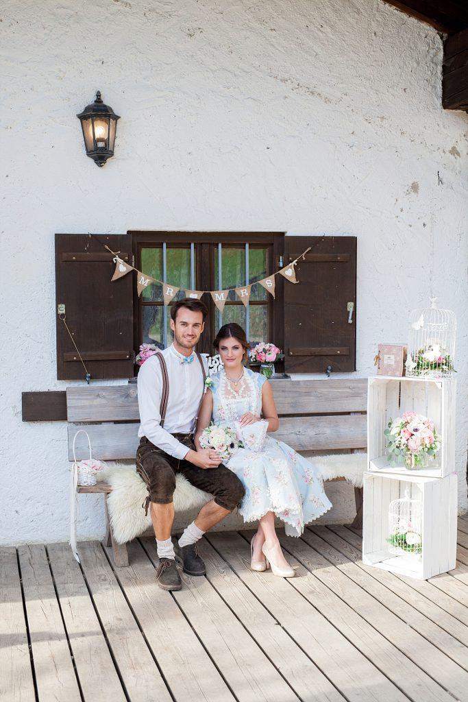 Wild-romantische Almhütten Hochzeit