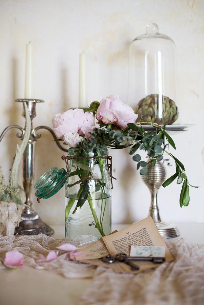 Vintage Dekoration rosa Pfingstrosen