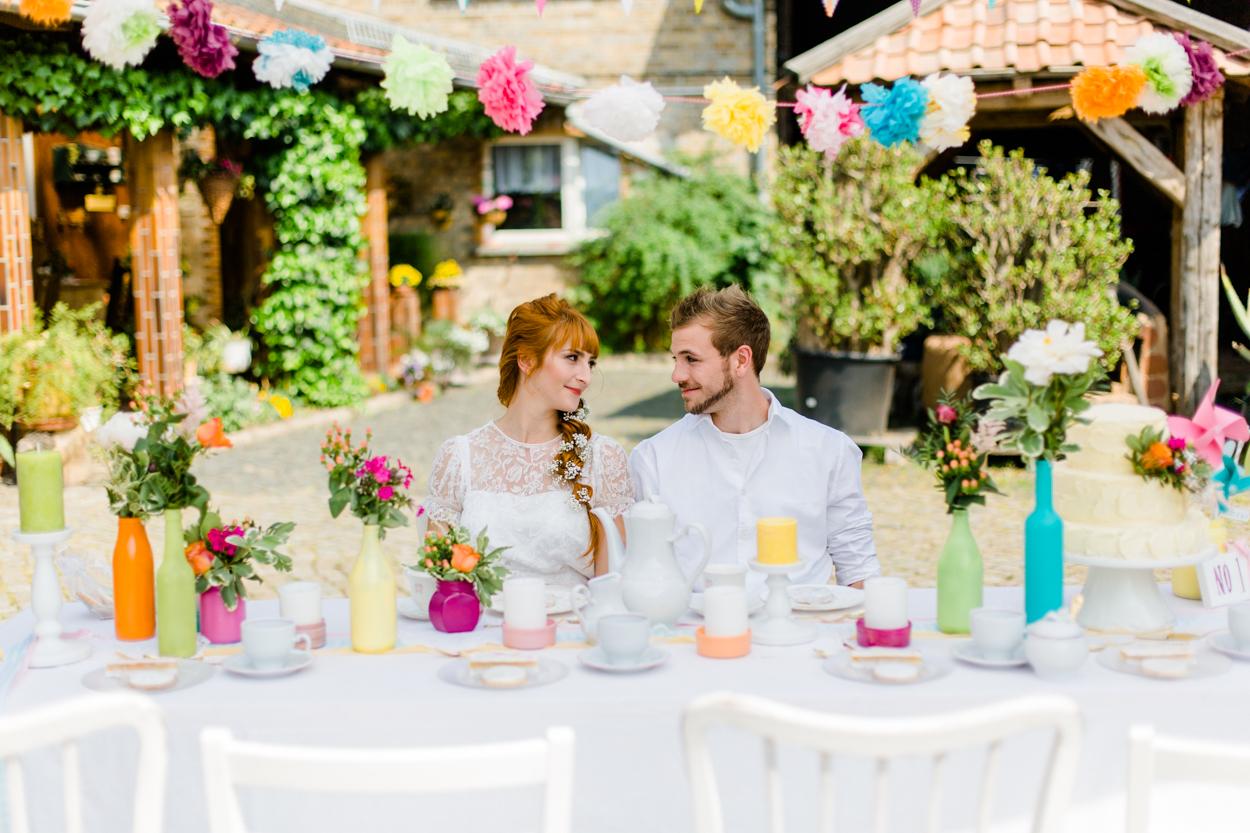 Tischdekoration Hochzeit DIY bunt