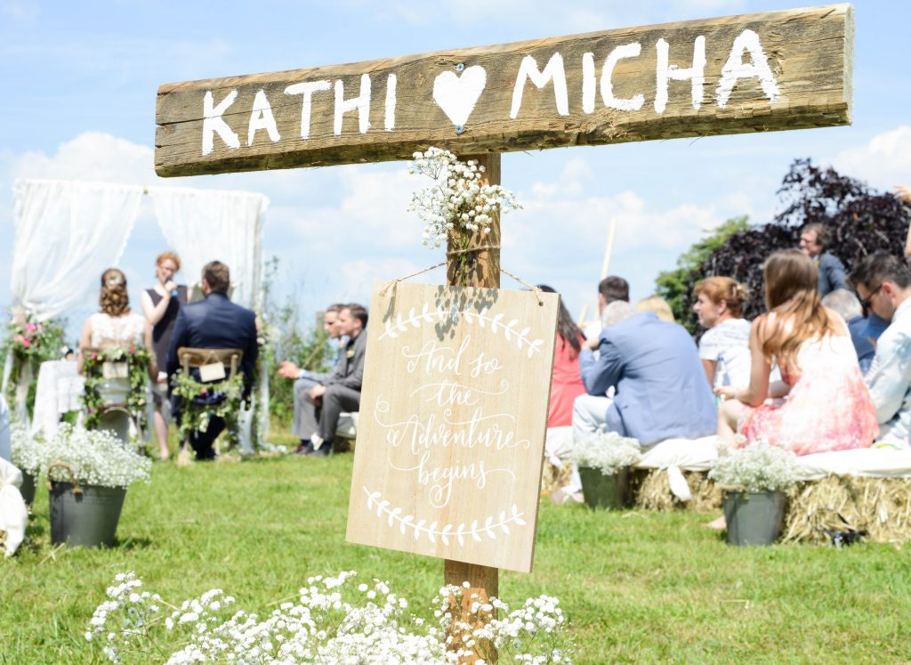 Romantische DIY Hochzeit im Freien