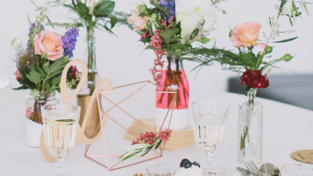 Modern Boho Luxe Inspirationen in Beerenfarben