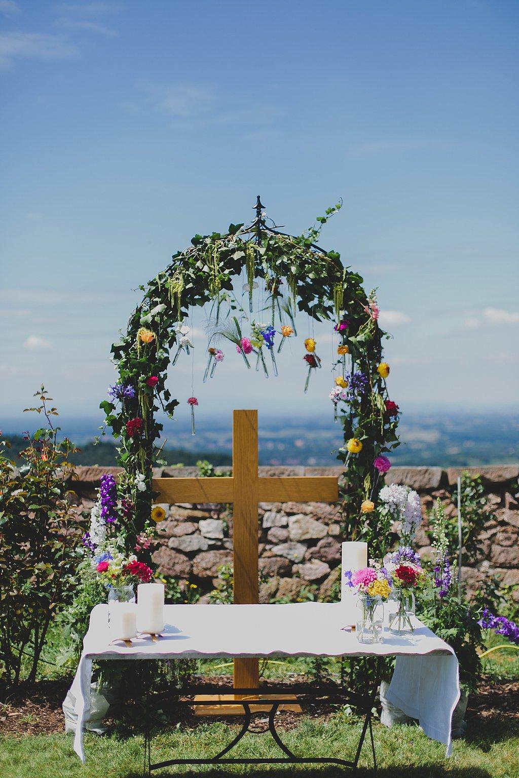 Traubogen Hochzeit Blumen