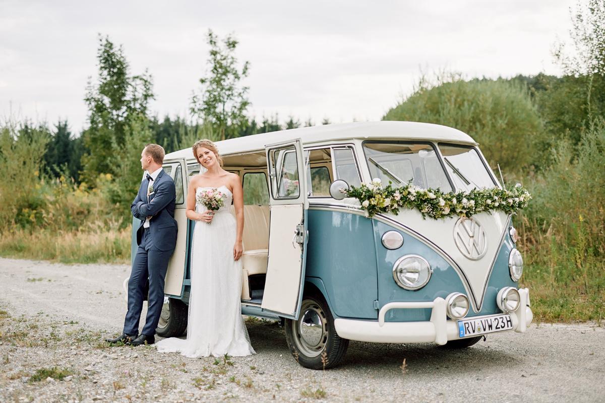 VW Bus Hochzeitsauto