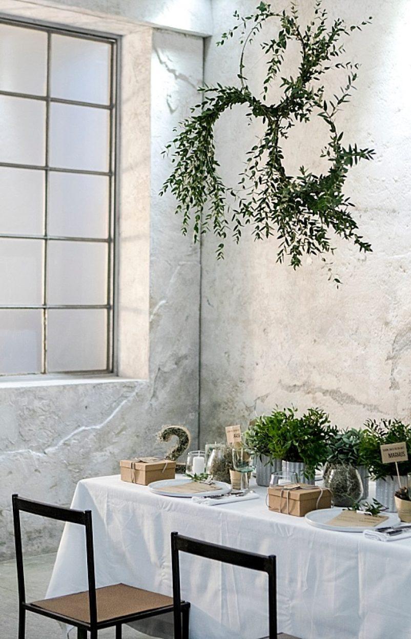 DIY Blumenkranz für Urban Greenery Tischdekoration