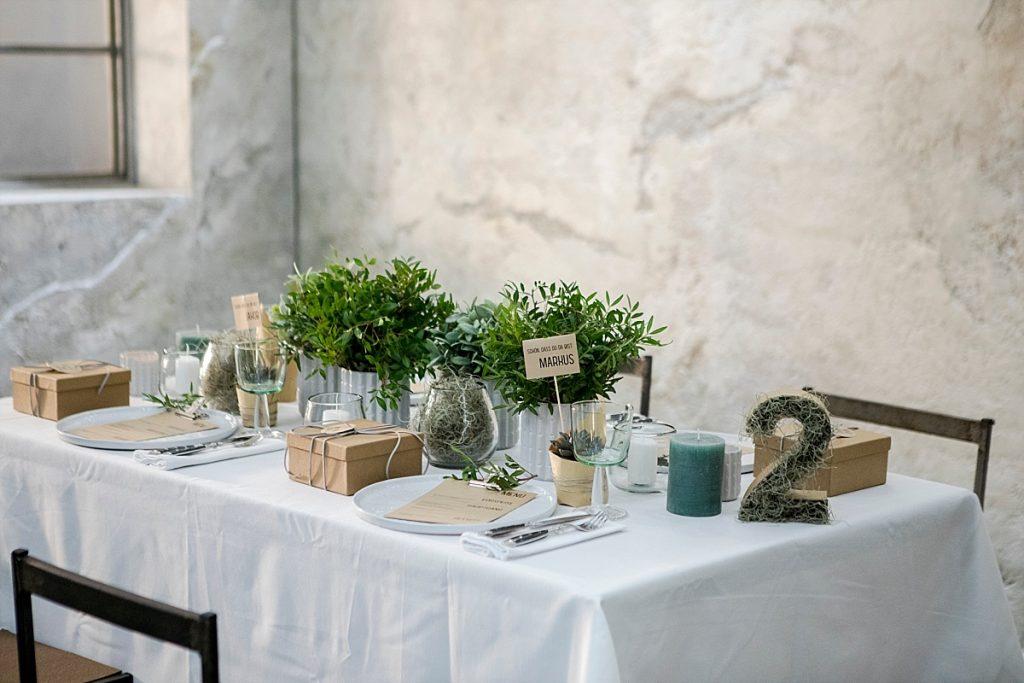DIY Gastgeschenke für Urban Greenery Tischdekoration