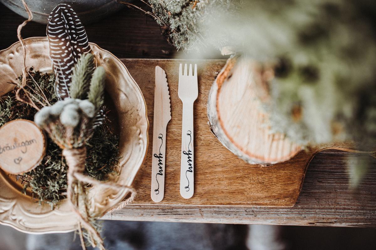 Hochzeit Tischdekoration Besteck Holz