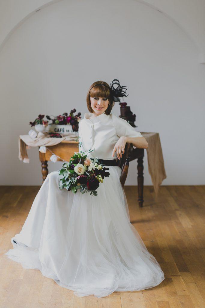Heiraten im Audrey Hepburn Look & in Beerenfarben