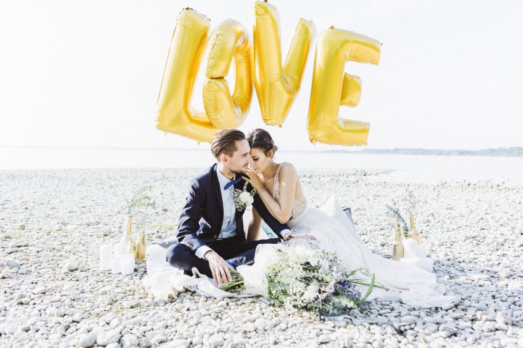 Maritim Heiraten in Gold und Blau