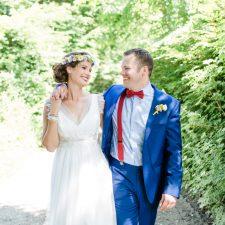 Bunte Boho Hochzeit mit Freiluftzeremonie