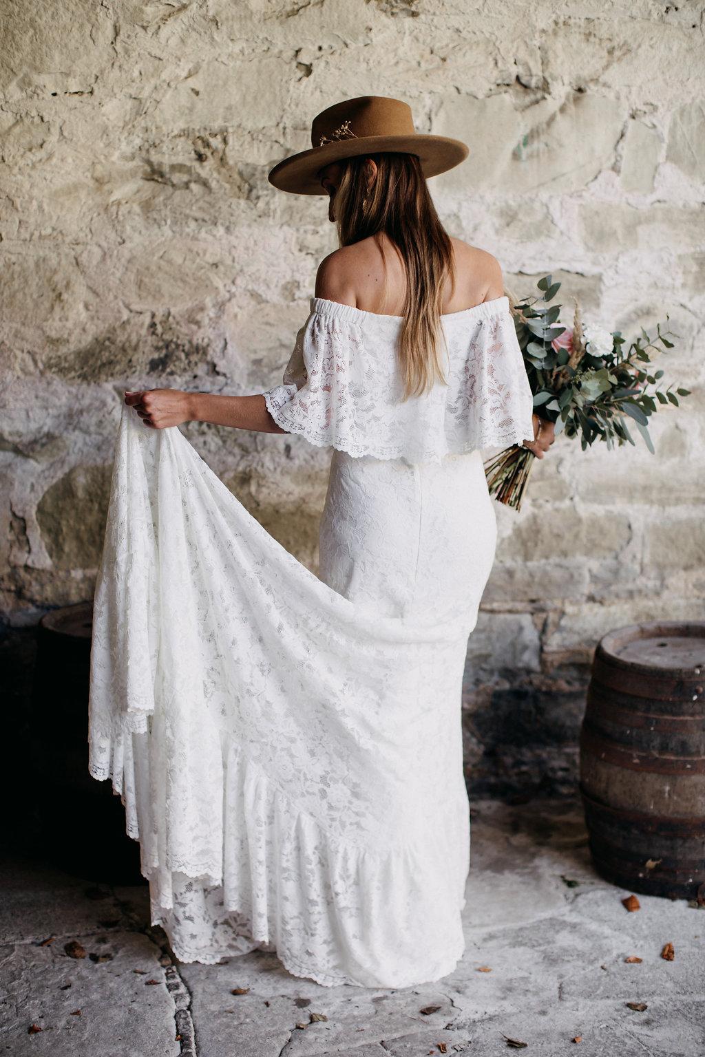 Boho braut Outfit, Boho Brautkleid, Boho Braut Frisur, Boho braut Styling, Boho Brautkleid, Brautkleid Daughters of Simone