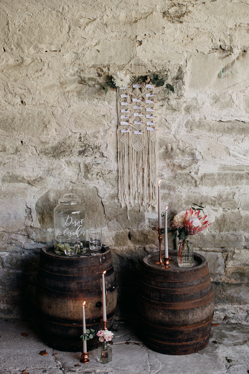 DIY Sitzplan Hochzeit, Sitzplan Boho Makramee