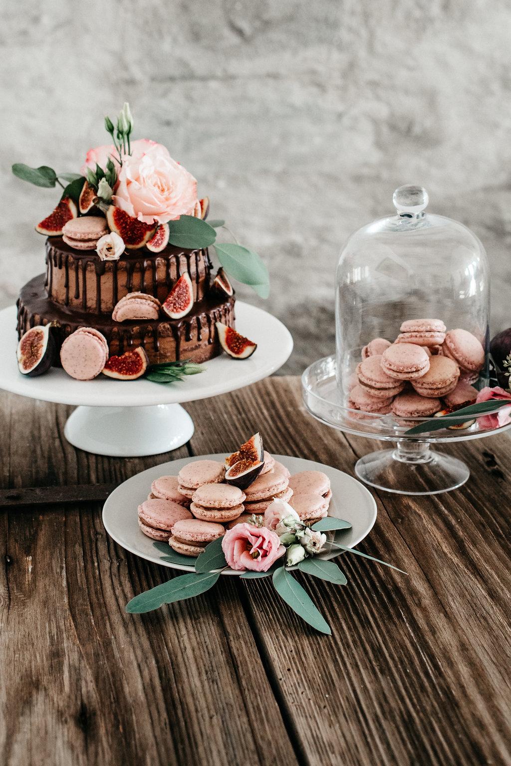 Drip Cake, Hochzeitstorte Drip Cake, Hochzeitstorte schwarz