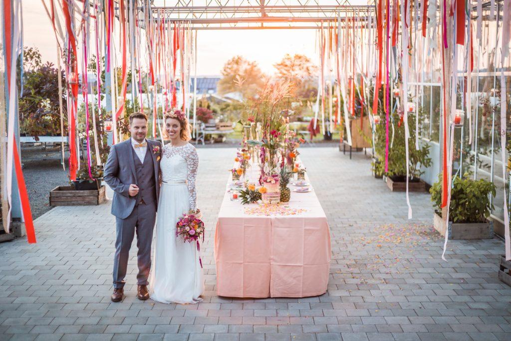 Bunte Tropical Wedding Ideen mit Ananas