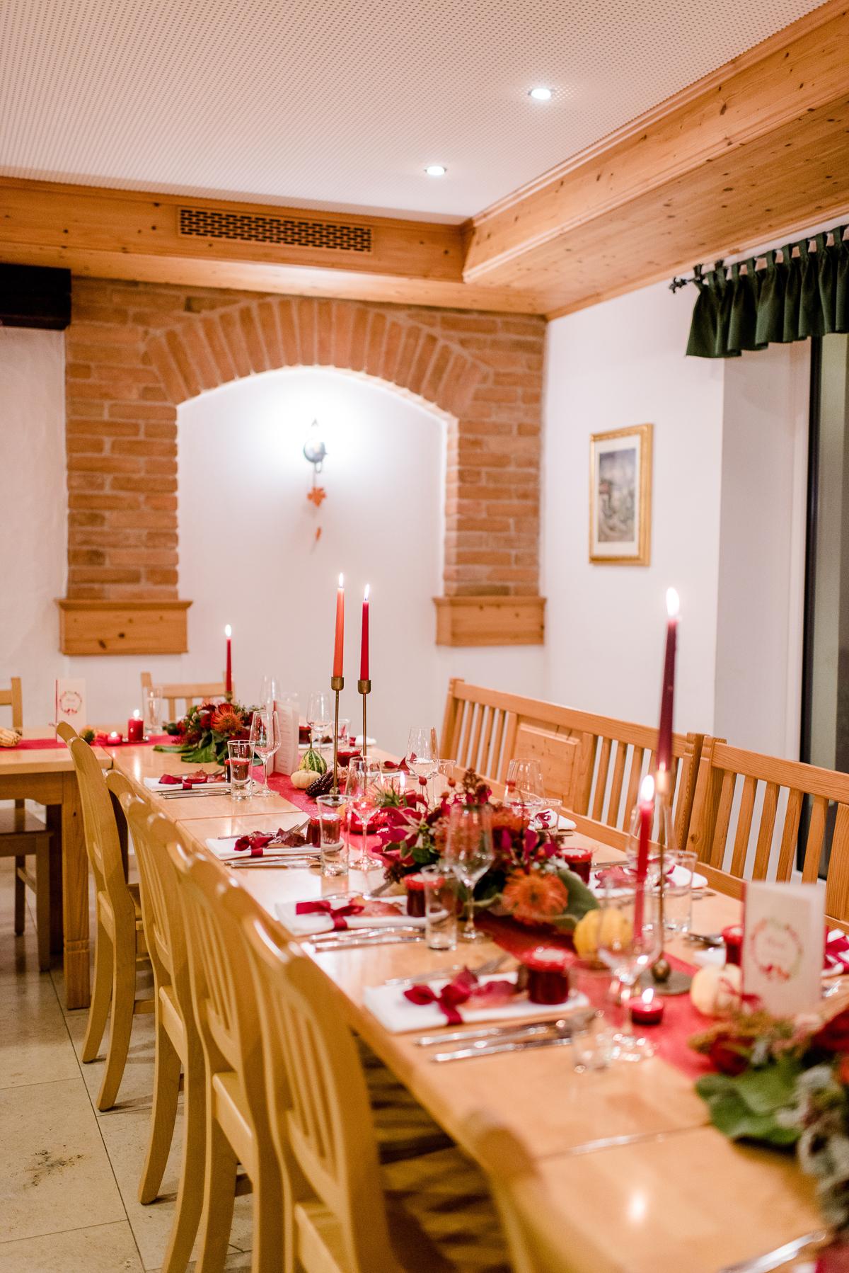 Herbsthochzeit, Tischdeko Herbst, Herbst Tischdeko, Tischdeko Hochzeit rot, Tischdeko rot, Tischdeko Hochzeit Herbst
