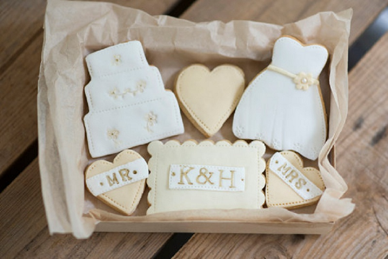 Nila Holden Wedding Cookies Love