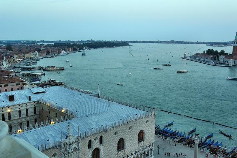Venedig bei Abenddämmerung