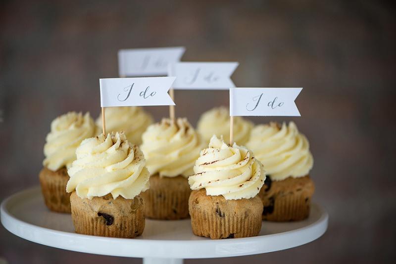 Cupcake Topper I Do