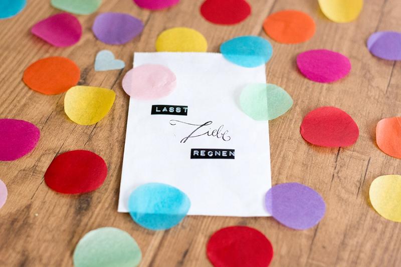 Lasst Liebe Regnen! DIY Konfetti mit Tütchen