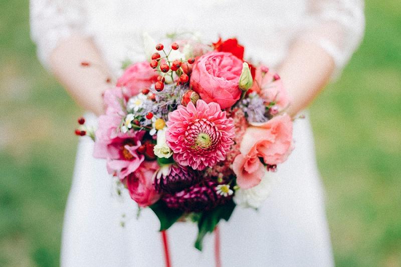 Brautstrauß rot Dahlien