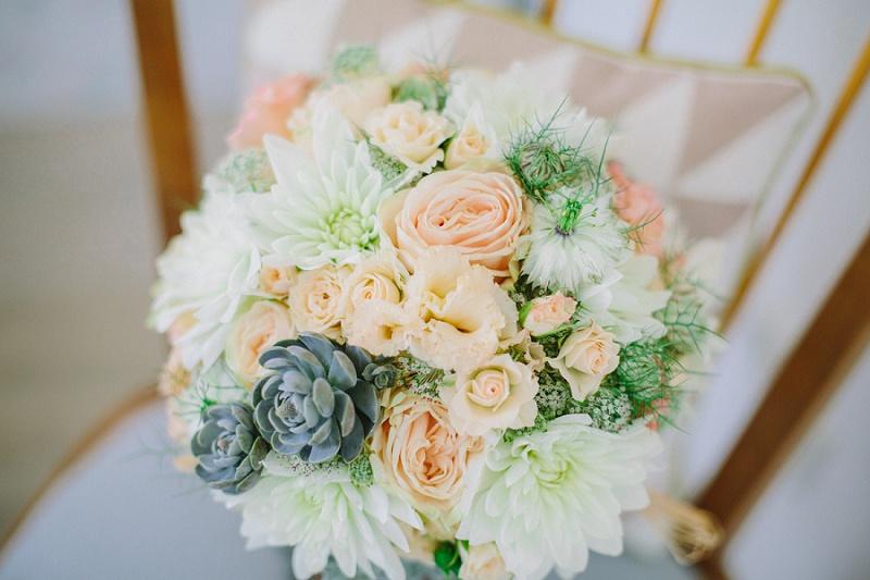 Brautstrauß pastell sukkulenten