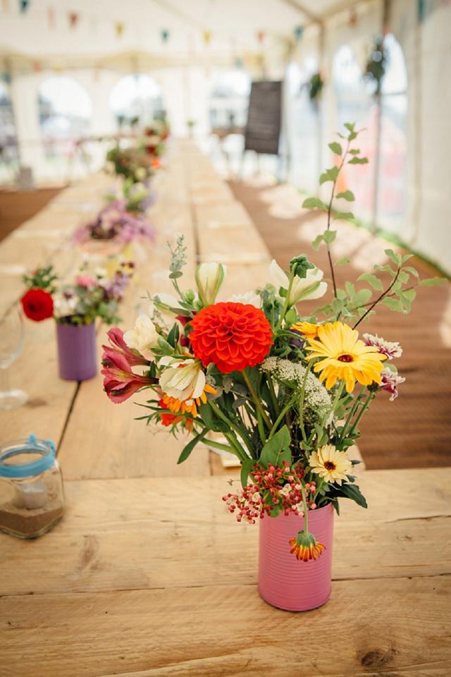 Boho Hochzeit Tischdeko rot rosa gelb
