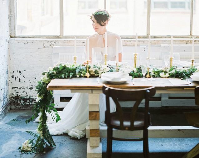 Modern Romance: Grüne Hochzeitsdekoration von Silk & Magnolia und ein Brautstrauß zu gewinnen