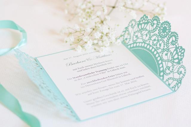 Lasercut Hochzeitseinladung Lucy van Barnes