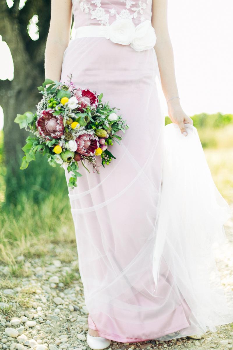Brautstrauß Protea Trommelstöckchen gelb rosa