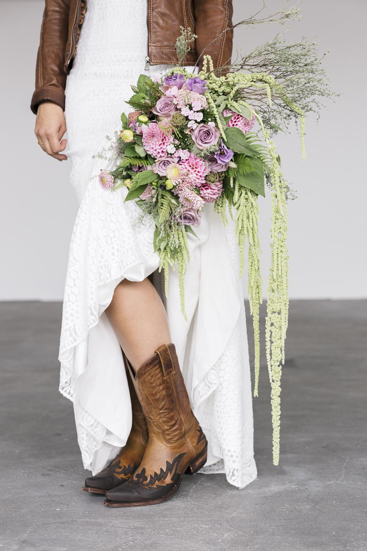 Brautkleid Cowboy Stiefel