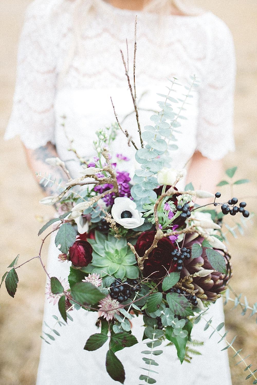 Naturliche Boho Hochzeit In Rot Und Lila Hochzeitsblog The Little