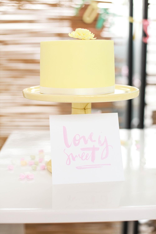 Hochzeitstorte mint gelb