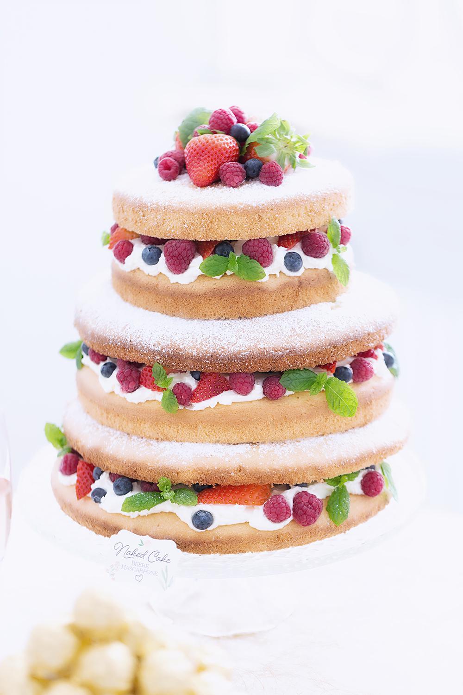 Naked Cake Beeren