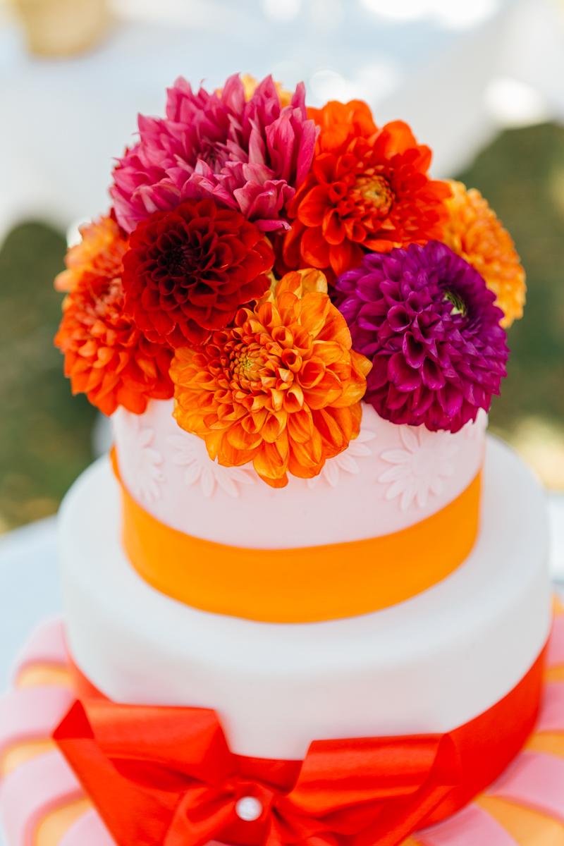Hochzeitstorte rot orange pink