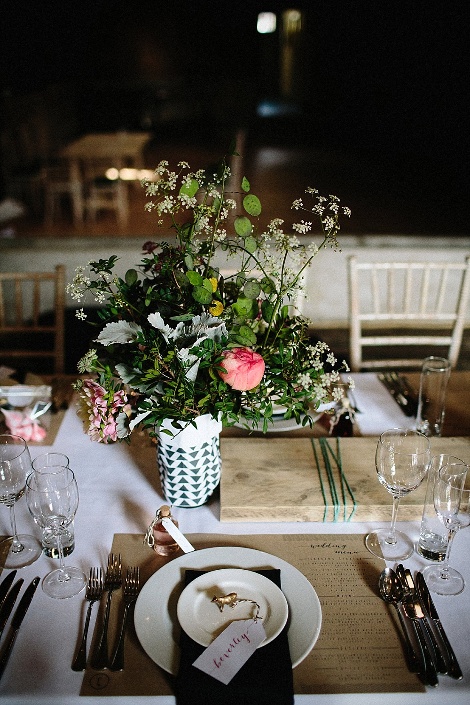 Tischdekoration Hochzeit geometrisch modern