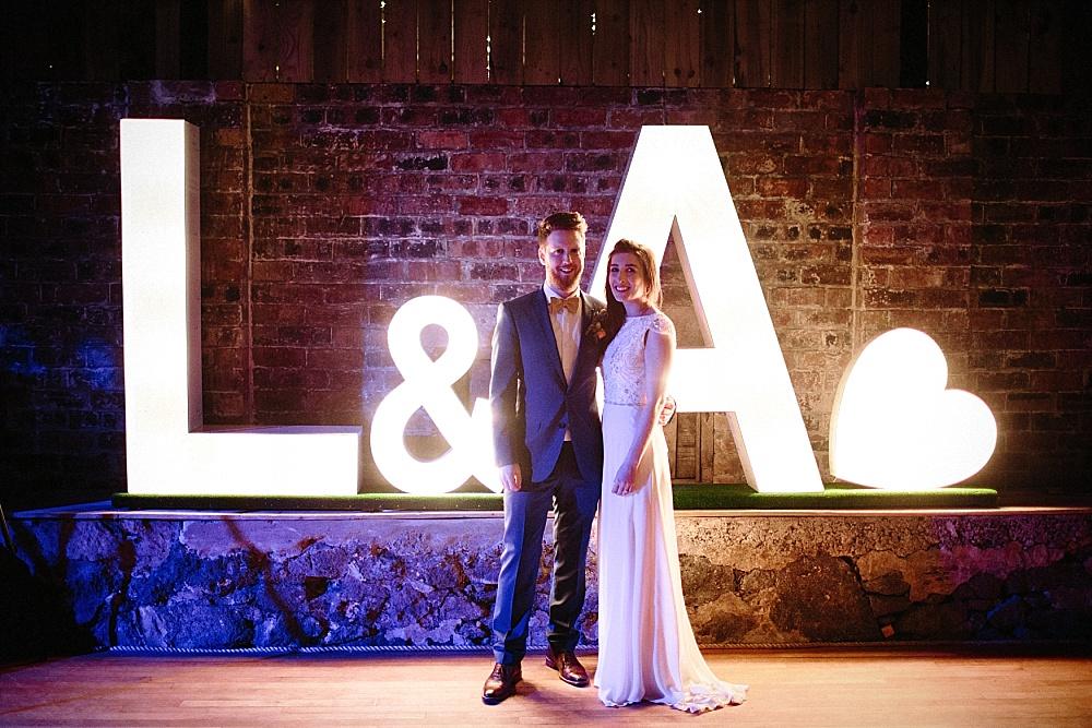 Rustikale Hochzeit mit geometrischem Chic in Schottland