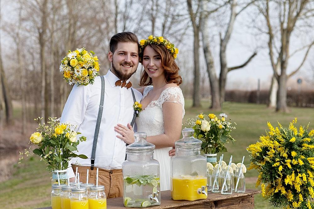 Gelbe Gartenparty mit kostengünstigen Ideen