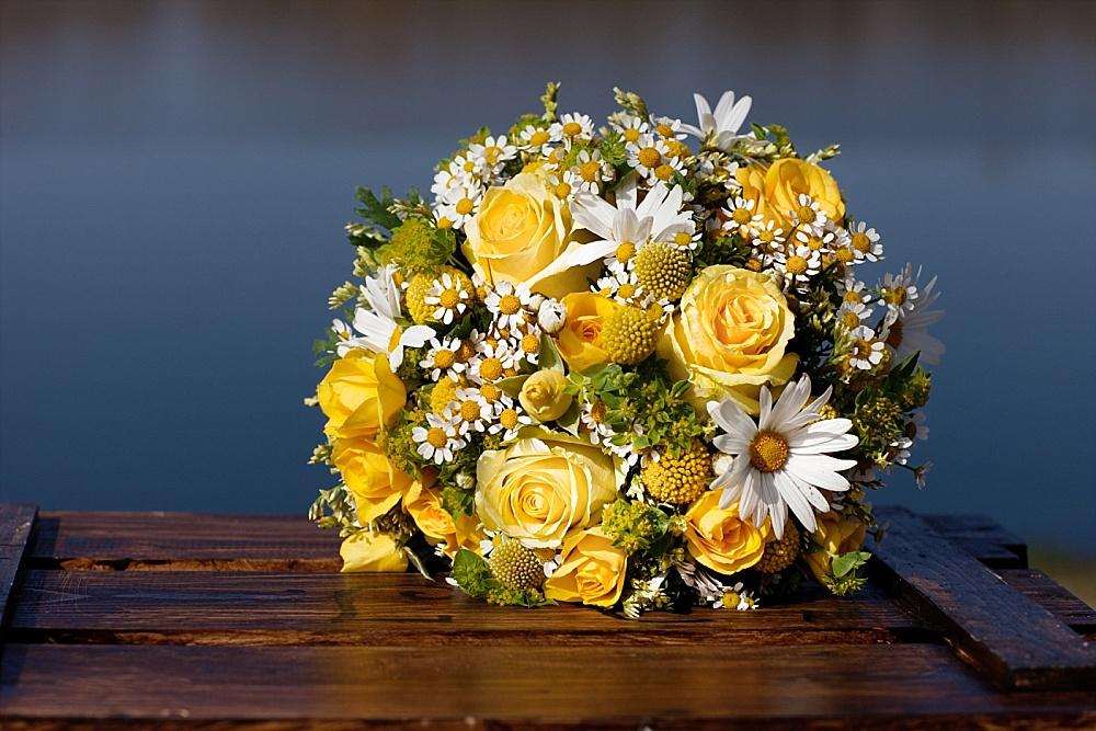 Brautstrauß gelb Trommelstöckchen