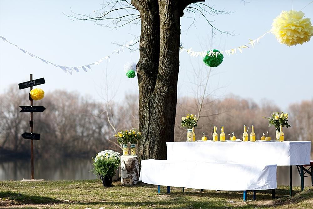 Tischdekoration Hochzeit gelb