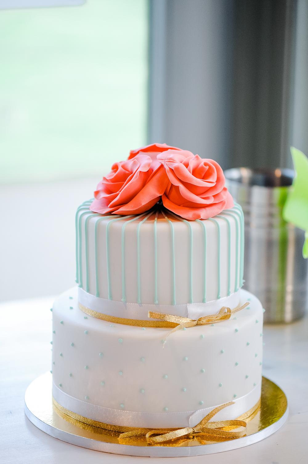 Hochzeitstorte Mint koralle