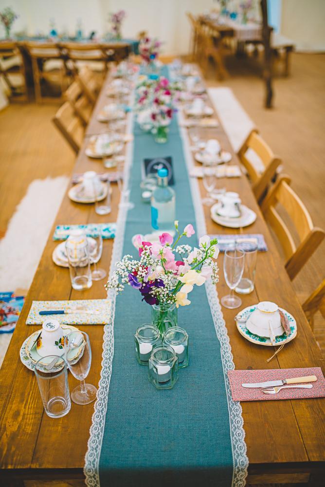Festivalhochzeit Tischdekoration